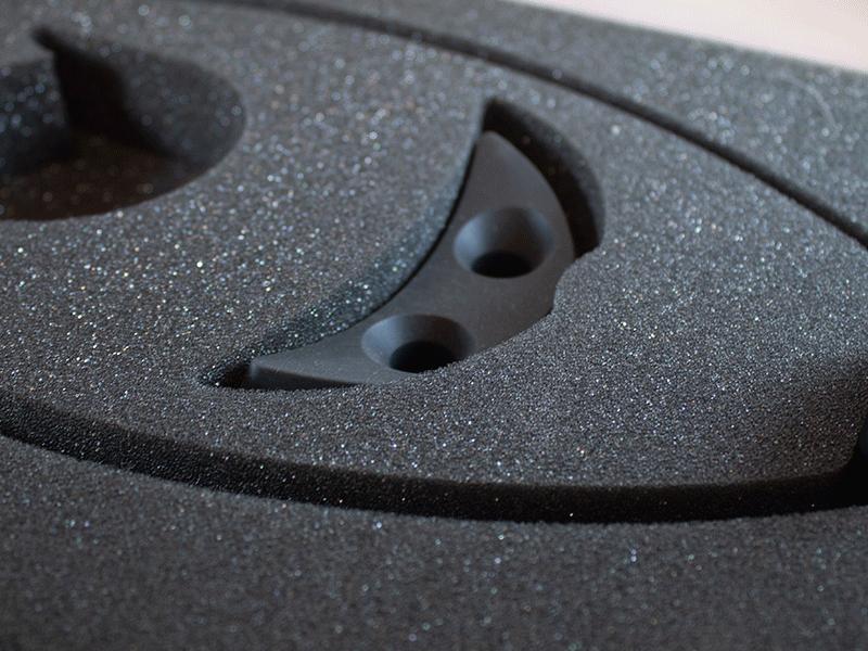 closeup af specialskåret kuffertindlæg